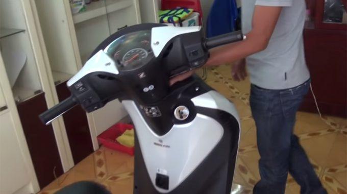 Cách Mở Cốp Xe Khi Mất Chìa Khóa Hoặc Không Cần Chìa