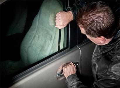 7 Cách mở khóa Cửa – Cốp xe ô tô an toàn và dễ nhất