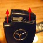 Cách thay pin chìa khóa xe Mercedes không thể bỏ qua