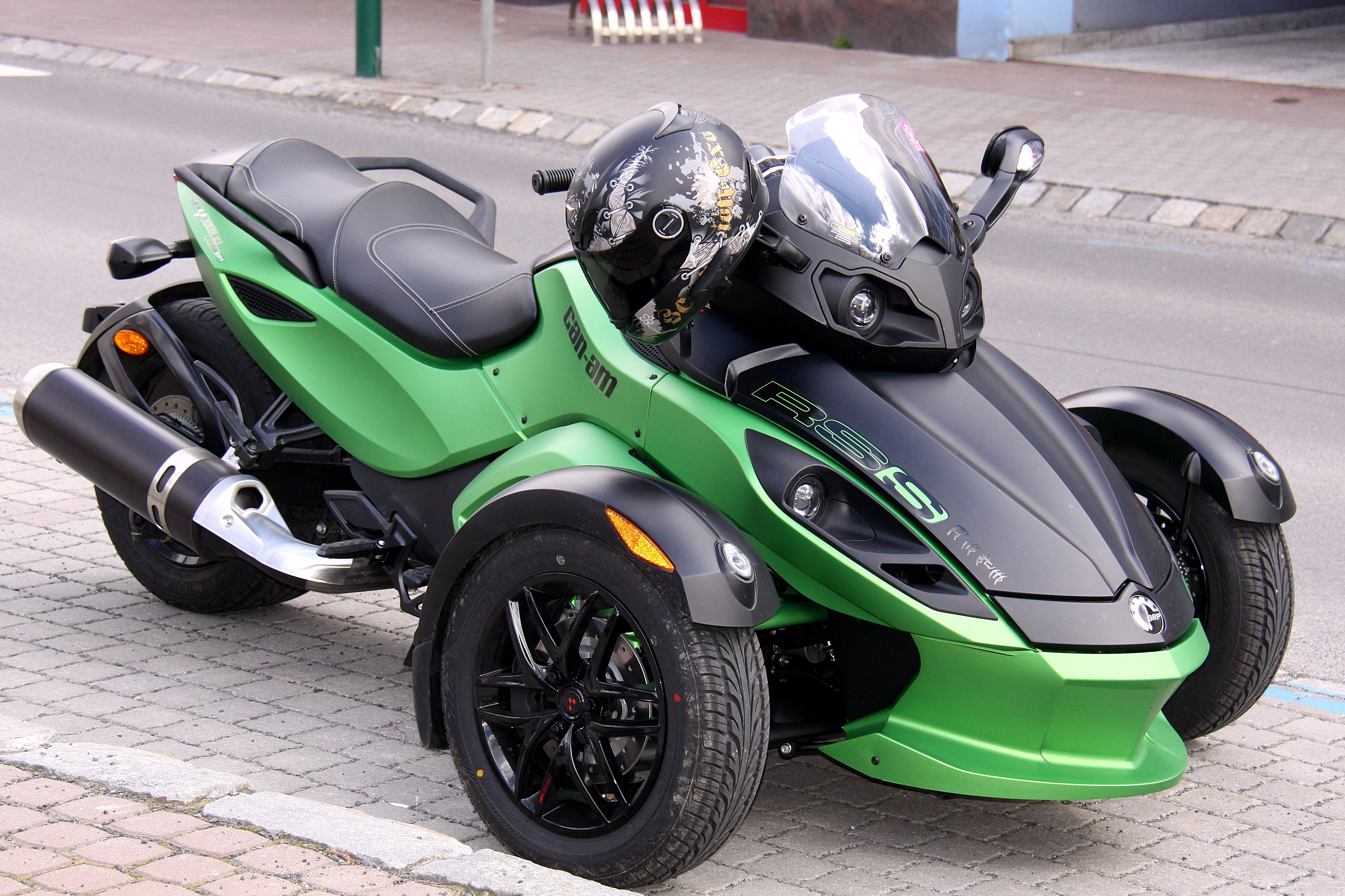 Xe Can-Am Spyder