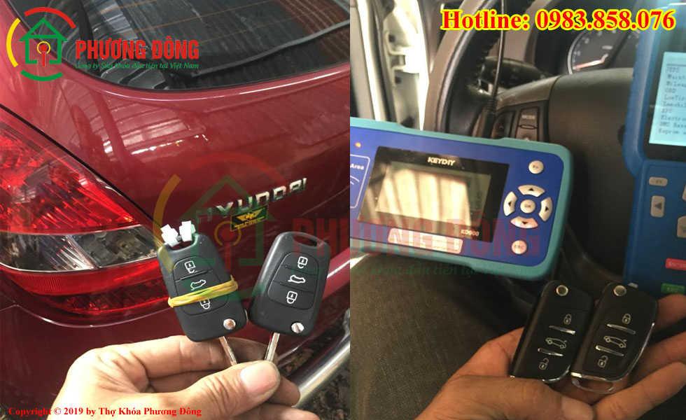 Đánh lại chìa khóa ô tô cho khách hàng