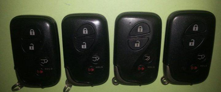 Mẫu làm chìa khóa xe Lexus ES 250 chính hãng tại nhà giá tốt nhất