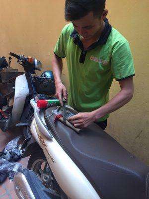 Cách đánh chìa khóa xe máy