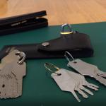 Cách làm chìa khóa đa năng mở mọi cánh cửa tủ két đơn giản