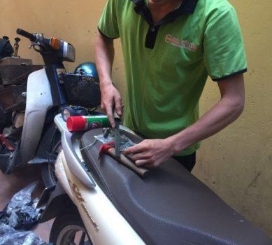 Thợ làm lại chìa khóa xe đạp điện