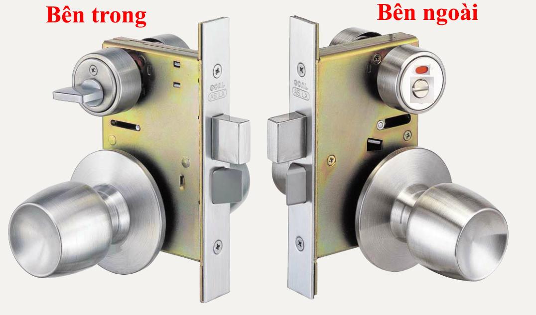 Cách khóa cửa tay nắm tròn bằng chìa khóa