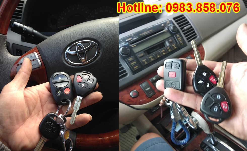Chìa khóa điều khiển rời Camry 3 nút bấm hình ô van hoặc vuông