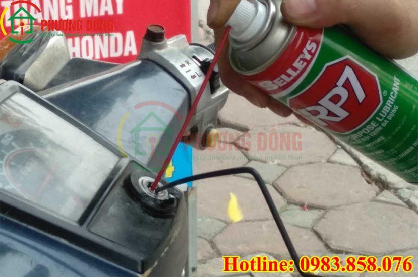 Cách sửa ổ khóa xe máy bị kẹt bằng BR7