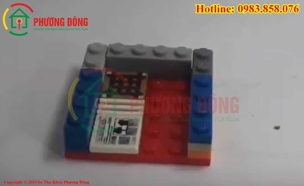 Cách lắp 1 bộ phận dưới của két sắt mini bằng lego