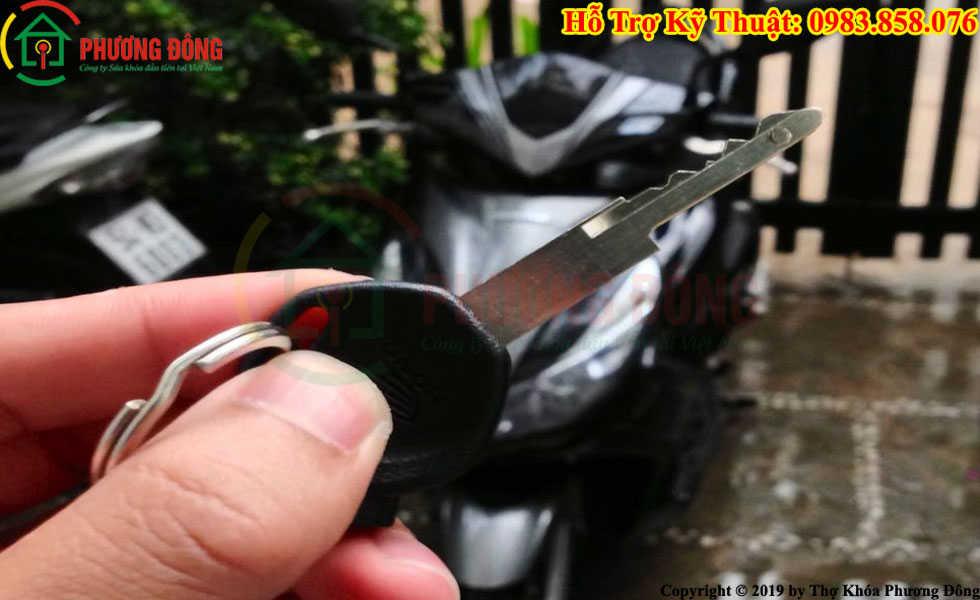 Phương Đông sửa khóa xe máy tại Chí Linh