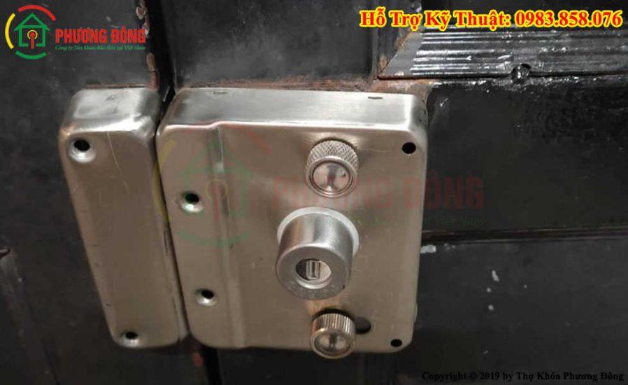 sửa khóa cửa sắt âm
