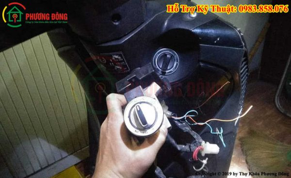 Thay ổ khóa xe máy SH ý smartkey chính hãng Honda