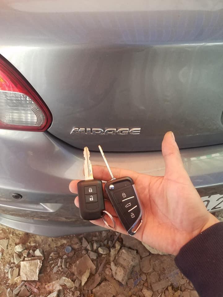 Làm chìa khóa xe Mitsubishi Mirage