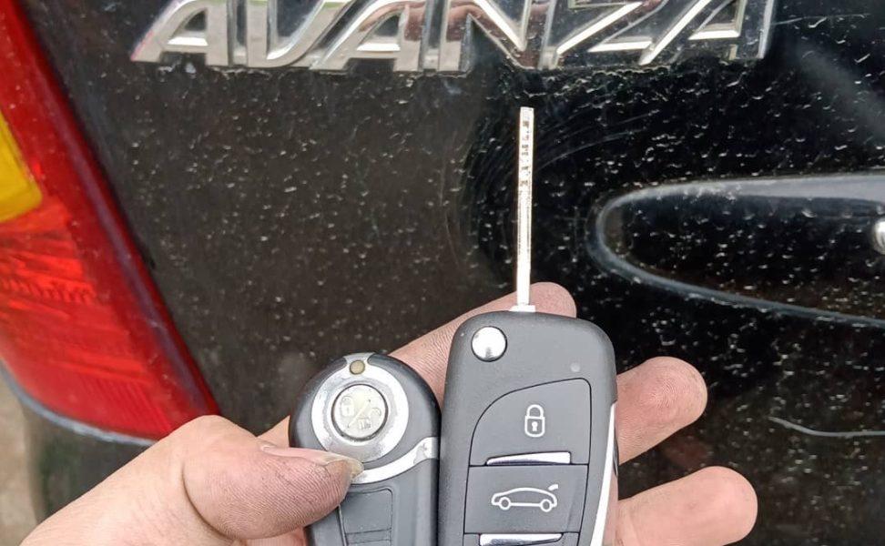 Làm Chìa Khóa Xe Toyota Avanza Nhận Chìa Ngay Giá Tốt Nhất